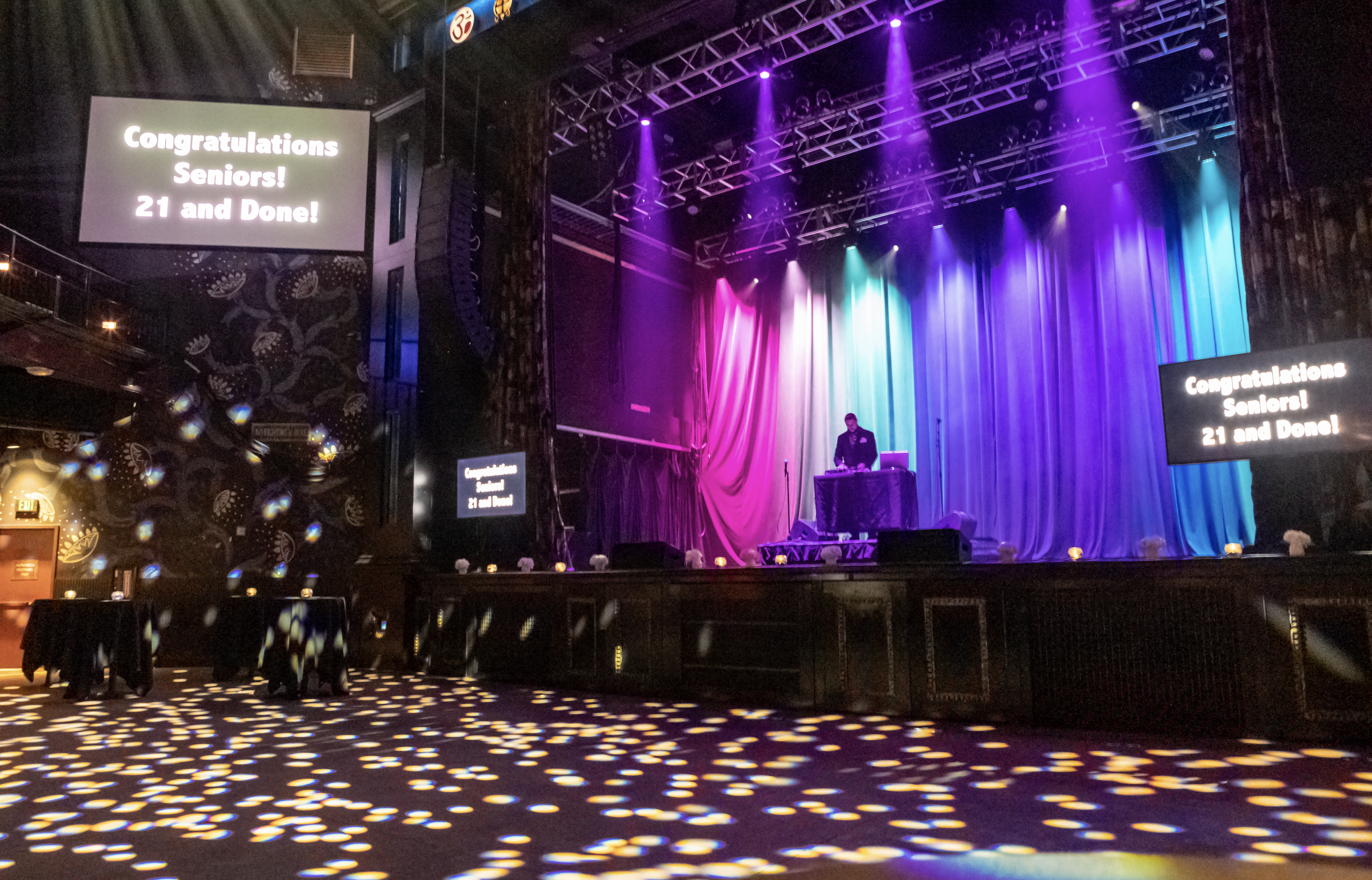dj on stage during lake highlands high school at house of blues dallas