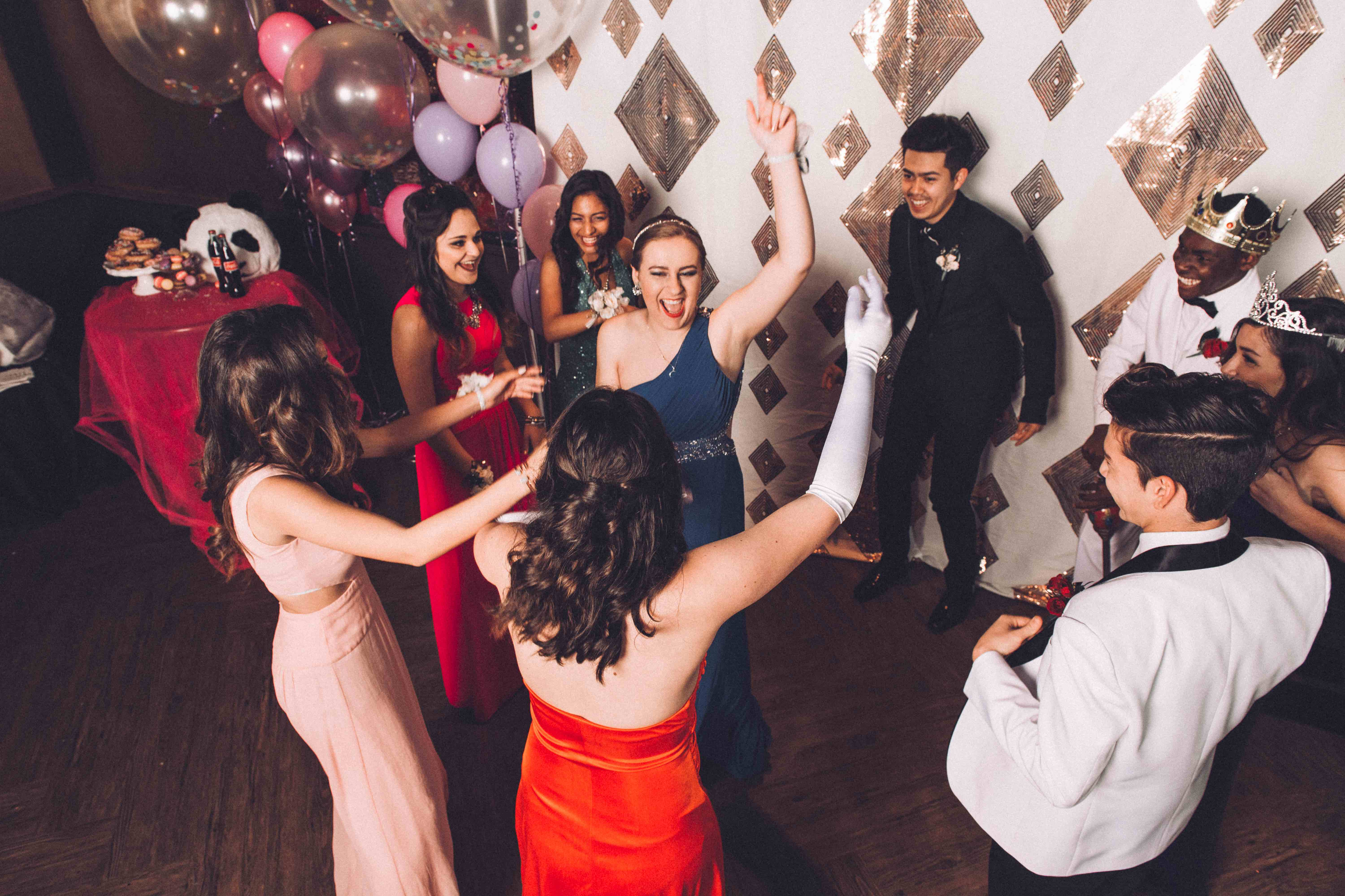 PROM GUESTS DANCING